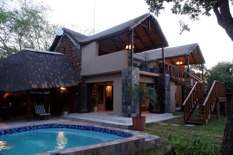 Tau pool and house