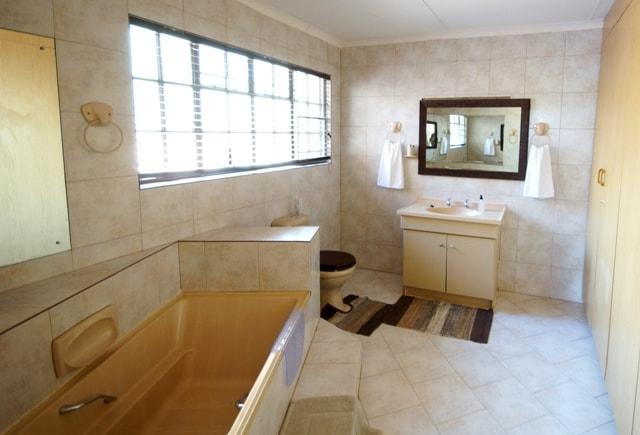 main bathroom rs