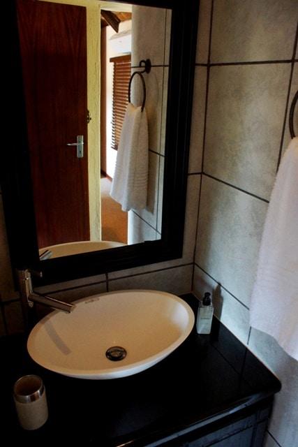 upstairs bathroom rs