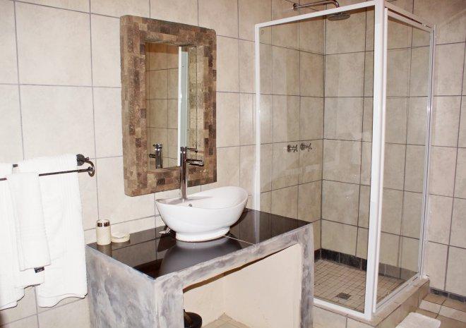 KRSC - Room 2 Bathroom
