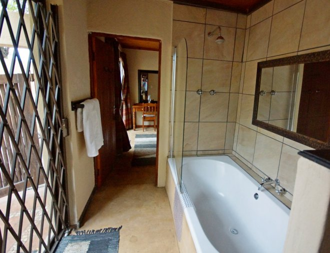 KRSC - Room 3 Bathroom