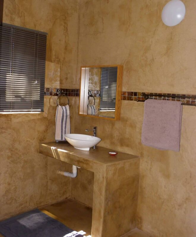 Bathroom-room-3-A-Marloth-Park-Hippo-House
